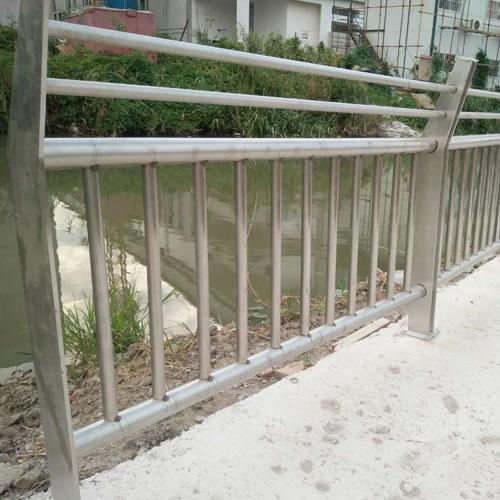 大成道路护栏定制-02